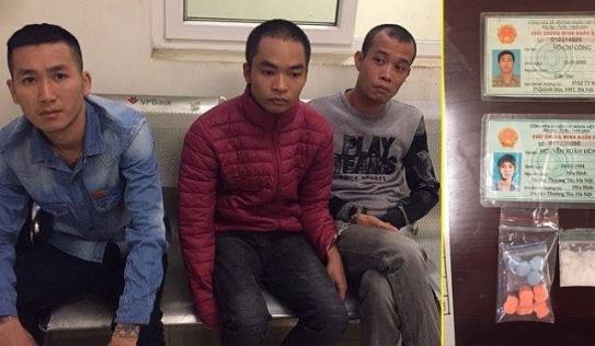 Ba thanh niên đi mua ma túy không đội mũ bảo hiểm, bị cảnh sát 141 tóm gọn