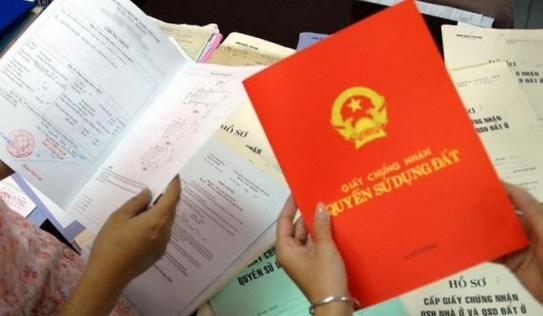 Thêm tên các thành viên vào sổ đỏ: 'Không hiểu luật và sẽ tạo ra nhiều rối ren'