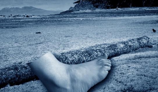 Lại tìm thấy chân người trôi dạt vào bờ biển Columbia, và bí ẩn thập kỷ nay đã có lời giải