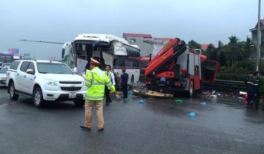 Luật giao thông cho phép xe cứu hỏa được đi ngược chiều khi làm nhiệm vụ
