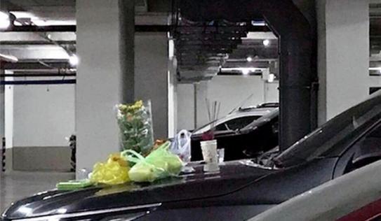 Hãi hùng phát hiện người đàn ông đốt nhang cúng ở hầm xe chung cư