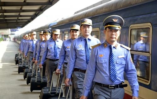 Quy định 'ngực lép, răng vâu' đối với nhân viên đường sắt bị hủy bỏ