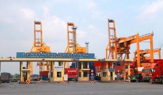Công nhân cảng tử vong vì bị cần trục chèn