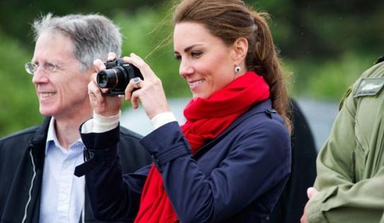 Công nương Kate đã phá vỡ truyền thống hoàng gia bằng hành động khiến ai cũng ngỡ ngàng