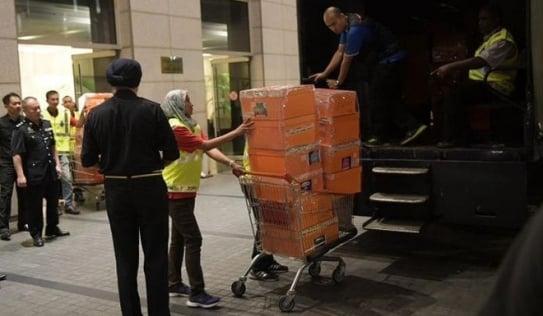 Malaysia thu 72 bao tiền, 284 túi hàng hiệu tại nhà cựu Thủ tướng Najib