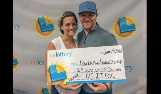 Chơi xổ số cho vui, cặp vợ chồng bất ngờ trúng 114 tỷ đồng