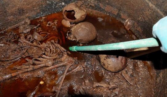 Mở quan tài đen bí ẩn nặng gần 30 tấn, Ai Cập thu được kết quả bất ngờ