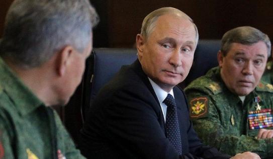 Putin miễn nhiệm 15 tướng Nga trước tập trận lịch sử