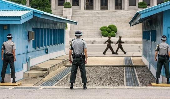 Hàn Quốc, Triều Tiên và Bộ Tư lệnh Liên Hợp Quốc lần đầu tiên tổ chức cuộc họp 3 bên về quân sự