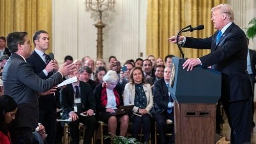 Chính quyền Trump nói Tổng thống có quyền cấm cửa toàn bộ phóng viên