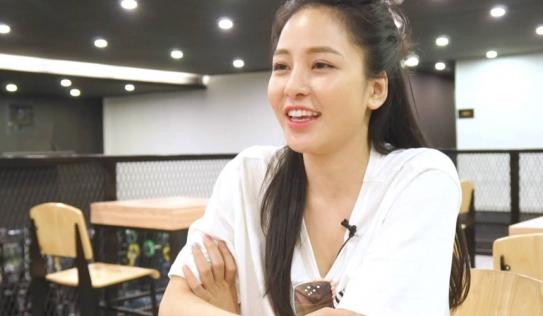 Hot girl Trâm Anh bị nhà đài 'phũ' sau sự cố nghi lộ clip nóng