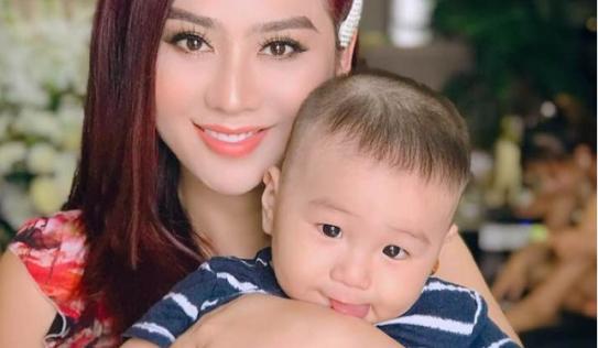 Lâm Khánh Chi khoe nhan sắc lên hương bên con trai khiến fan trầm trồ