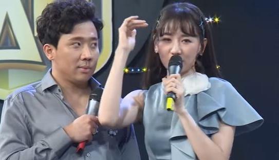 Hari Won khiến Trấn Thành tức không nói nên lời vì tình tứ bên người khác