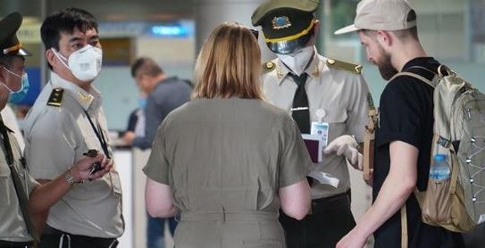 Covid-19: Việt Nam quyết định tạm ngừng miễn thị thực cho công dân Italy