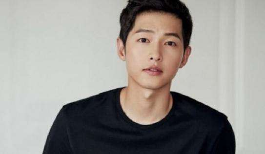 Song Joong Ki là người giữ bí mật định mệnh trong bộ phim cùng 'tiểu tam tin đồn'