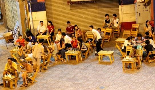 Chủ tịch Hà Nội: 'Quán trà chanh, trà đá cũng phải đóng cửa'