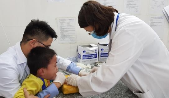 Bộ Y tế khẩn cấp yêu cầu Bắc Ninh ngừng lấy máu xét nghiệm sán lợn