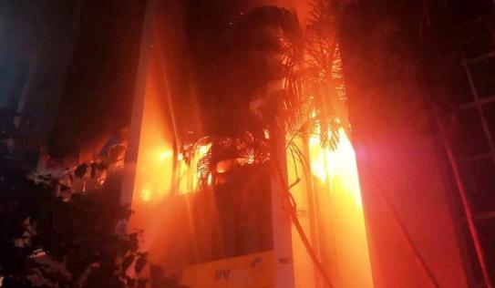Cháy tòa nhà dầu khí Thanh Hóa: 2 người chết, 12 người bị ngạt khí