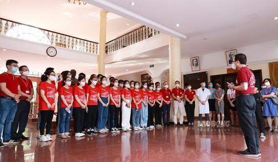 SV Đại học Y Hà Nội lên đường chi viện giúp Bắc Ninh chống dịch COVID-19