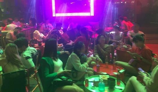 TP.HCM cấm nhà hàng phục vụ quá 20 khách, sẽ phạt nguội cơ sở vi phạm
