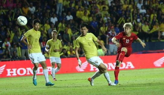 Anh Đức ghi 'bàn thắng vàng', Việt Nam đánh bại Thái Lan theo kịch bản không tưởng