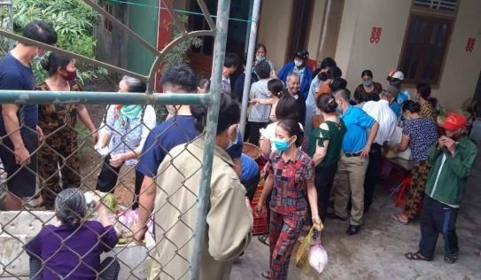 Người dân Hà Tĩnh 'giải cứu' 150 mâm cỗ cho đám cưới bị hủy để phòng dịch
