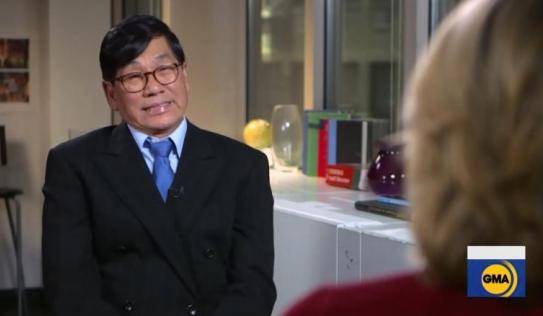 Bác sĩ gốc Việt lần đầu lên tiếng sau hai năm bị kéo lê khỏi máy bay Mỹ