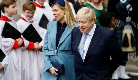 Thủ tướng Anh có con trai sau khi khỏi Covid-19