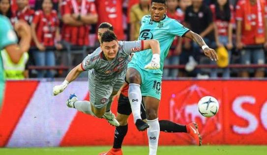 Đặng Văn Lâm được Thai League vinh danh trong đội hình tiêu biểu vòng 3
