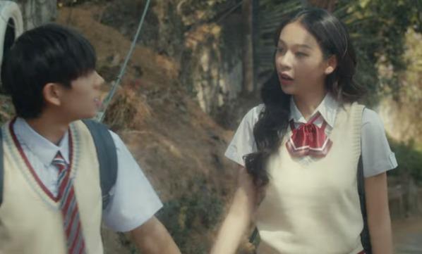 Hết bị tố 'đạo' poster phim Penthouse, MV mới của Phí Phương Anh lại có dấu hiệu 'mượn' tạo hình phim của Trịnh Sảng 1