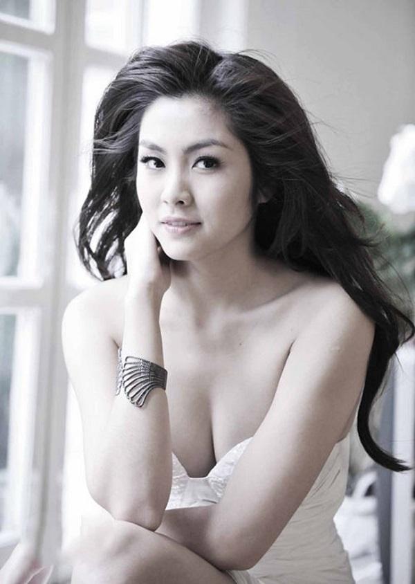 Tăng Thanh Hà lộ 'ảnh bán nude' hiếm hoi, fan chú ý chi tiết này 4