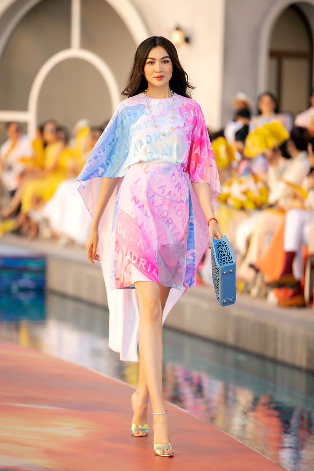 Fashion Voyage kết thúc đầy ấn tượng với BST Daydreamer của NTK Adrian Anh Tuấn 5