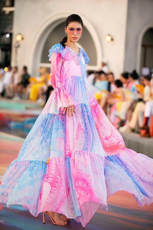 Fashion Voyage kết thúc đầy ấn tượng với BST Daydreamer của NTK Adrian Anh Tuấn 4