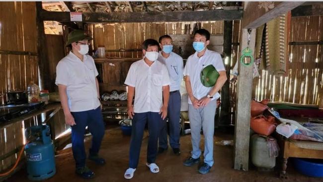 Ông Đoàn Ngọc Hải nghi mình bị nhiễm C.o.v.i.d, nhờ tài xế khá.c chở về Hà Nội để xét nghiệm 5