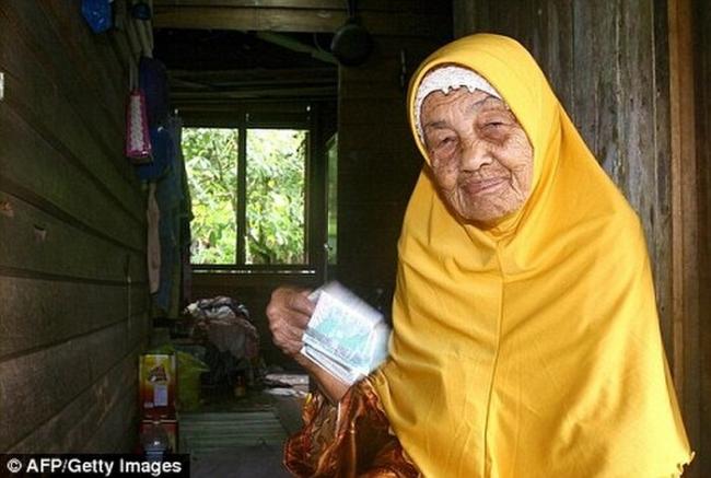 Bí quyết giữ lửa yêu của cụ bà 109 tuổi với 23 lần kết hôn và người chồng kém 70 tuổi gây ngỡ ngàng 1