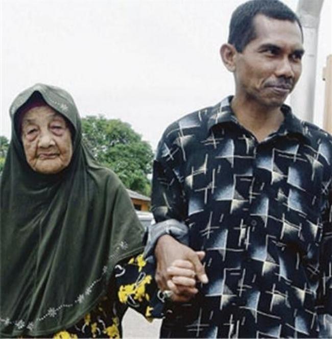 Bí quyết giữ lửa yêu của cụ bà 109 tuổi với 23 lần kết hôn và người chồng kém 70 tuổi gây ngỡ ngàng 5