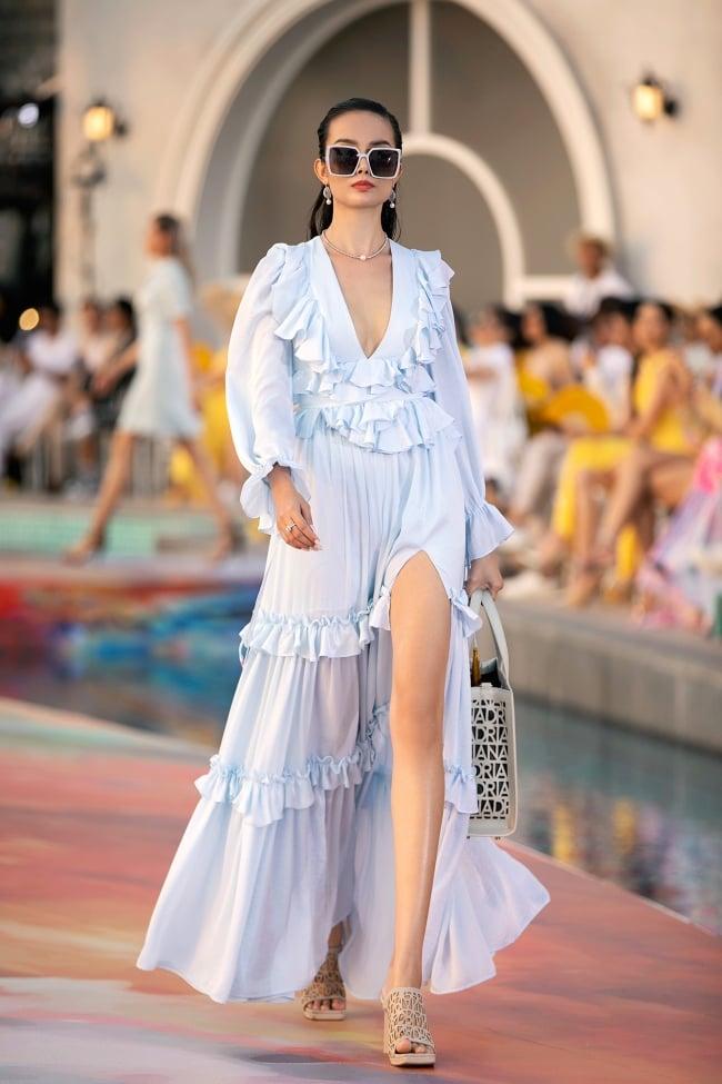 Fashion Voyage kết thúc đầy ấn tượng với BST Daydreamer của NTK Adrian Anh Tuấn 11