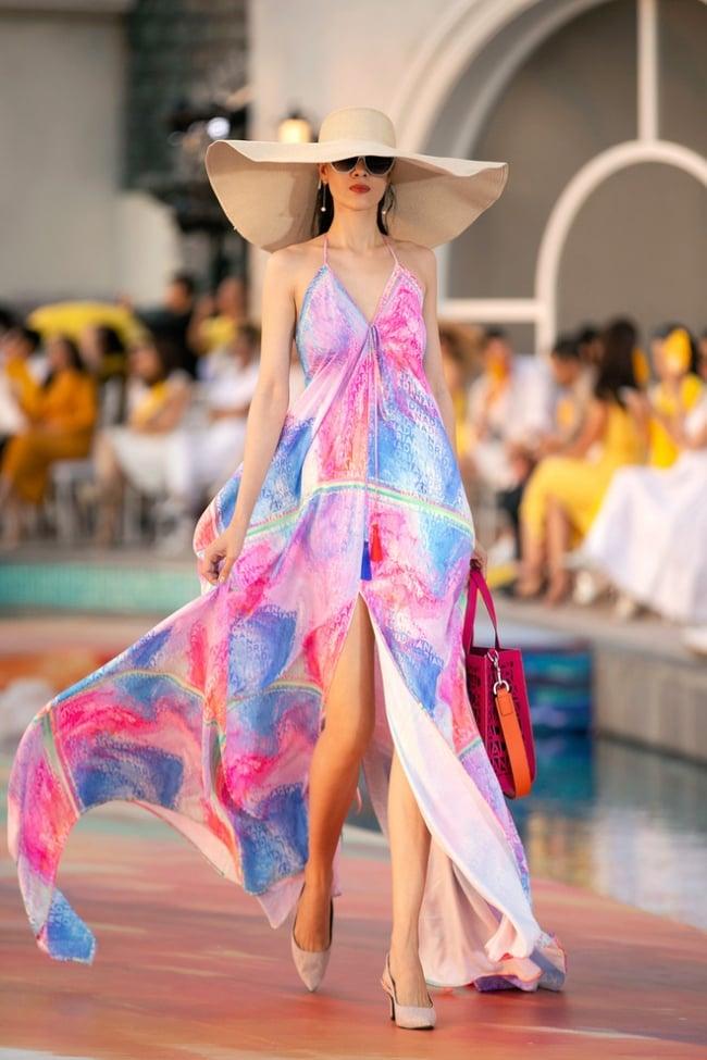Fashion Voyage kết thúc đầy ấn tượng với BST Daydreamer của NTK Adrian Anh Tuấn 8