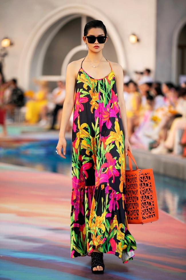 Fashion Voyage kết thúc đầy ấn tượng với BST Daydreamer của NTK Adrian Anh Tuấn 15