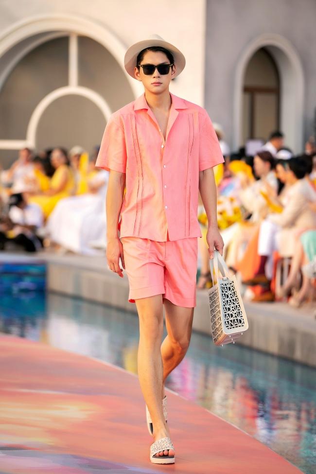 Fashion Voyage kết thúc đầy ấn tượng với BST Daydreamer của NTK Adrian Anh Tuấn 13