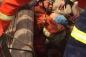 Video: Giải cứu bé trai mắc kẹt dưới giếng sâu 40 m