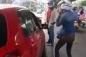 Video: 2 nữ tài xế hùng hổ lao vào nhau sau va chạm