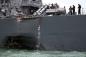 Chiến hạm Mỹ thủng lỗ lớn sau vụ va chạm khiến 10 thủy thủ mất tích