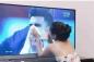 Cô gái xinh đẹp quỳ gối lau nước mắt cho cầu thủ Jordan