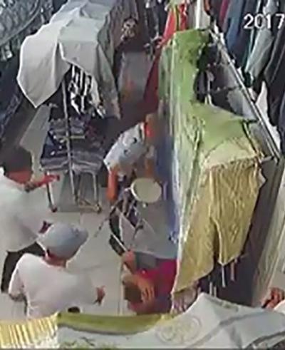 Hình ảnh Nghi can chém người trong cửa hàng quần áo ra đầu thú số 1
