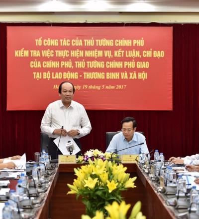 Hình ảnh Thủ tướng yêu cầu làm rõ đề xuất tăng tuổi hưu, tiền lương số 1
