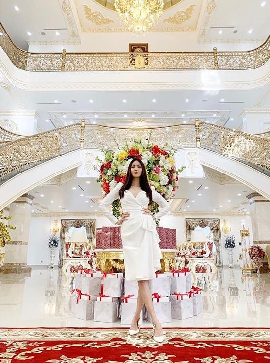 Choáng với cuộc sống làm dâu trong gia tộc giàu có của Lan Khuê 2