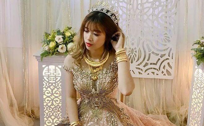 Xuất hiện thêm cô dâu vàng đeo trĩu người ngày cưới 1