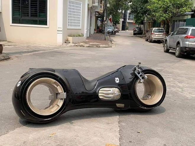 Siêu mô tô 2,7 tỷ lần đầu tiên xuất hiện ở Việt Nam 2