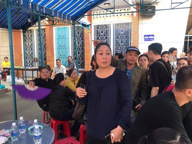 Nghẹn ngào bài thơ chồng NSND Hồng Vân tiễn biệt Anh Vũ 1